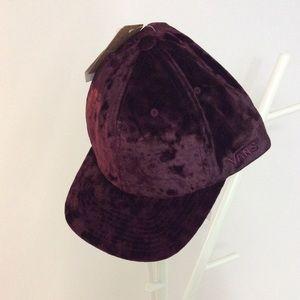 NWT Vans Glazier Purple Velvet Hat